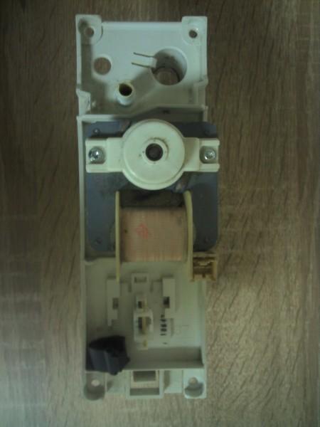 Kondenswasserpumpe Trockner Bosch WTE84101