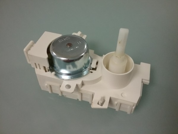 Bauknecht GSI 4000 SD IN Stellmotor